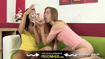 Peeonher - Best Friends - Piss Orgy