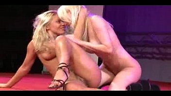 Scandal on stage lesbian babes