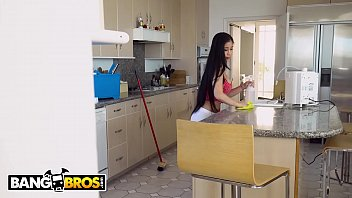 BANGBROS - Asian Maid Jade Kush Fucks Her Creeper Client After Cleaning House