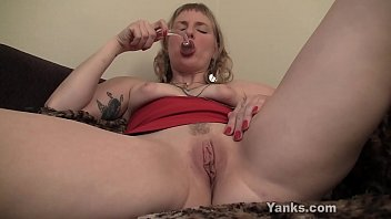 Creamy clit video Yanks josie finds her g-spot