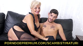 SCAMBISTI MATURI - Older blonde banged in pussy and