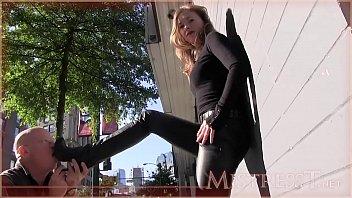 Boots lick Public boot licker2