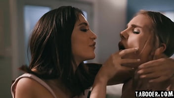 WOW! Can a scene possibly be much hotter than this!? Stalker Jane Wilde makes two scared friends Nathan Bronson and Natalie Knight to fuck!