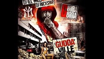 Gudda Gudda Ft. Lil Wayne - I Don't Like The look (YMCMB Anthology)