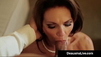 Quality fucking tube Busty texas cougar deauxma fucks her hotel room service guy