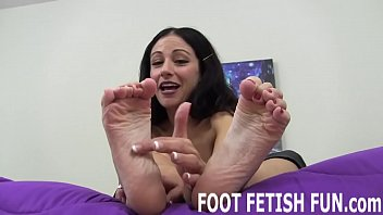 Sexy feminine looks I will show you how to pamper a womens feet right