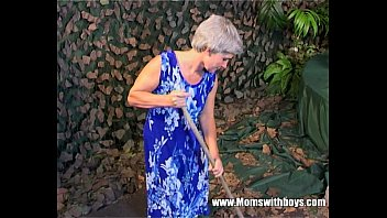 Women with shaved hair - Skinny grey haired granny old pussy fucked