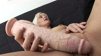 Dealing with bottom dentures Autsch der dildo deal mit jil