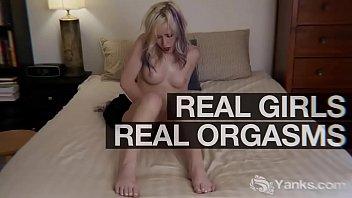 Sexy Yanks Babe Lara Lyon Masturbating