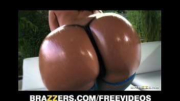 On virgin coconut oil Jada stevens twerks her oiled up booty on camera