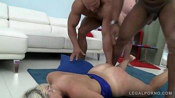 Big Butt Slut Vittoria Dolce Fucked Balls Deep During Hardcore Gangbang