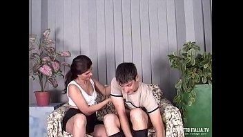 Coppia disinibita ed esibizionista con lei molto porca e bocchinara dalla figa
