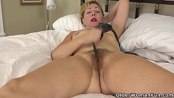 Treating urinary problems in older adults - Usa gilf justine gives her hairy pussy a treat