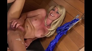 Milf Tranny Blows her Load