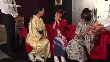 昭和な美熟女ダラケの乱交会 1