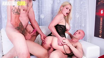 AMATEUR EURO - Hot Babe Vittoria Dolce Handle Two Dicks In Casting