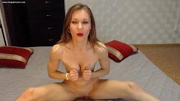 Amazing Abs Fit Girl on Webcam - Cleopatracams.com Vorschaubild