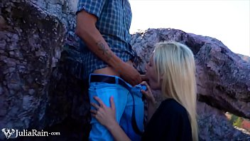 Sexy Blonde Deepthroat Big Dick Devils Kos on the Mountain Closeup صورة