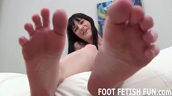 Are my bare feet exciting you