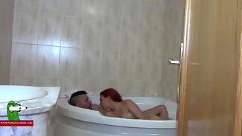 Folladita en el jacuzzi con su novia GUI00379