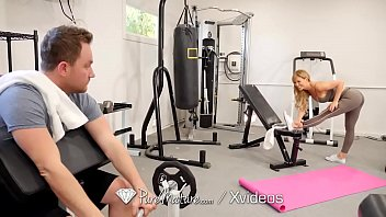 PUREMATURE Sexual training gym fuck with MILF Vorschaubild
