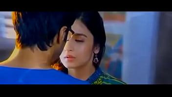 Sexy kissing movie Alia bhatt all 3 kissing scenes bikini scene--juicyads v2.0-- iframe borde