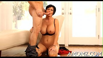 Free mature video download Wicked mama rides to get orgasm