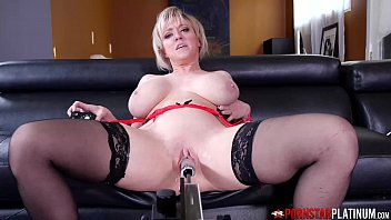 PORNSTARPLATINUM MILF Dee Williams Masturbates By Machine