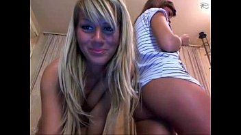2 Brunette cuties squirt on each on webcam - Watch more on SlutsLifeWebCams.com