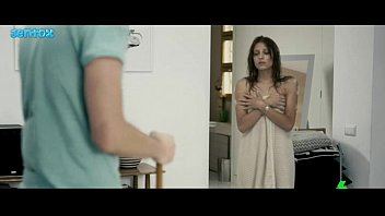 Michelle Jenner ass em extraterrestre (2011) JNTX