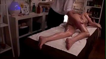 エッチなマッサージでマンコをトロトロに解された美巨乳美女のおねだり発情セックス