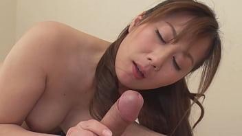 熟痴女の淫らな誘惑~若い男をシャブリたい!~ - 榎田まゆ美 2 12分钟