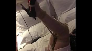 真实捆绑玩空姐丝袜高跟