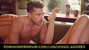 LOS CONSOLADORES - Tiffany doll menage a trois with couple