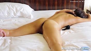 Auténtico Squirting Yoni Massage (¡ella me pagó a MÍ!) Chica de la oficina de Singaporean en China… ¡ORGULLOSOS orgasmos múltiples!