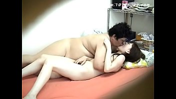 Student has to Endure Fat man's Cock缩略图