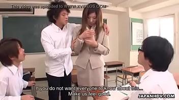 หนังโป๊ดูฟรีพลาดไม่ได้ครูสาวสุดสวยพึ่งมาใหม่โดนนักเรียนหนุ่มรุมข่มขืนเย็ด