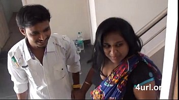 Hot Aunty With Fan Repairer man