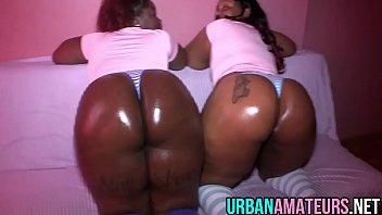 2 big butt thots