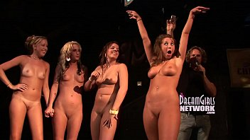 Naked girls and public Twerking contest ends with girls naked