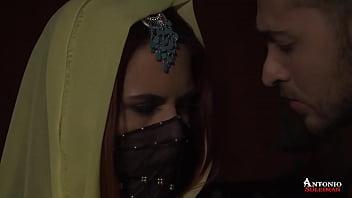 Syrian porn star fucking a hot girl 10分钟