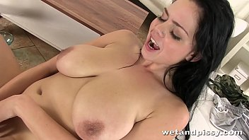 Big bouncing boobs covered in warm piss