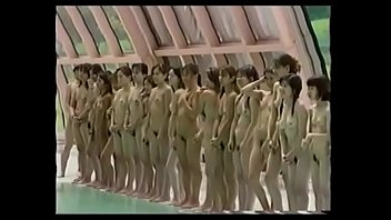 Teen takes off swim suit - Naked swimming - japan