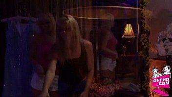 Lesbian encouters 1402