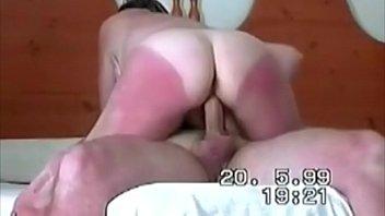 Porno tube putona pulando em cima do caralho duro