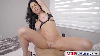 Beautiful MILF Puts On a Show For Her Step Son - Veronica Avluv