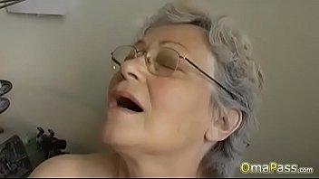 OmaPasS Big Natural Tits Played By Lesbians