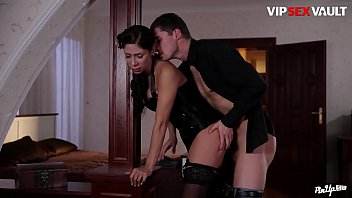 VIP SEX VAULT - Pinup MILF Wife Rachel Evans Has An Erotic Surprise For Husband