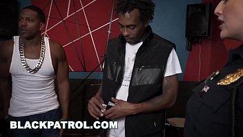 BLACK PATROL - MILF Police Officers With Big Tits Fuck A Rapper Vorschaubild