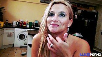 Voir video porno sans telecharger Son mari lautorise à se faire baiser par un inconnu full video